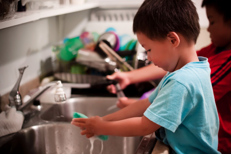 How To Motivate Your Kids To Help With Chores