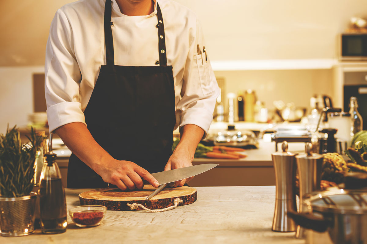 Hiring a Personal Chef Can Transform Your Kitchen